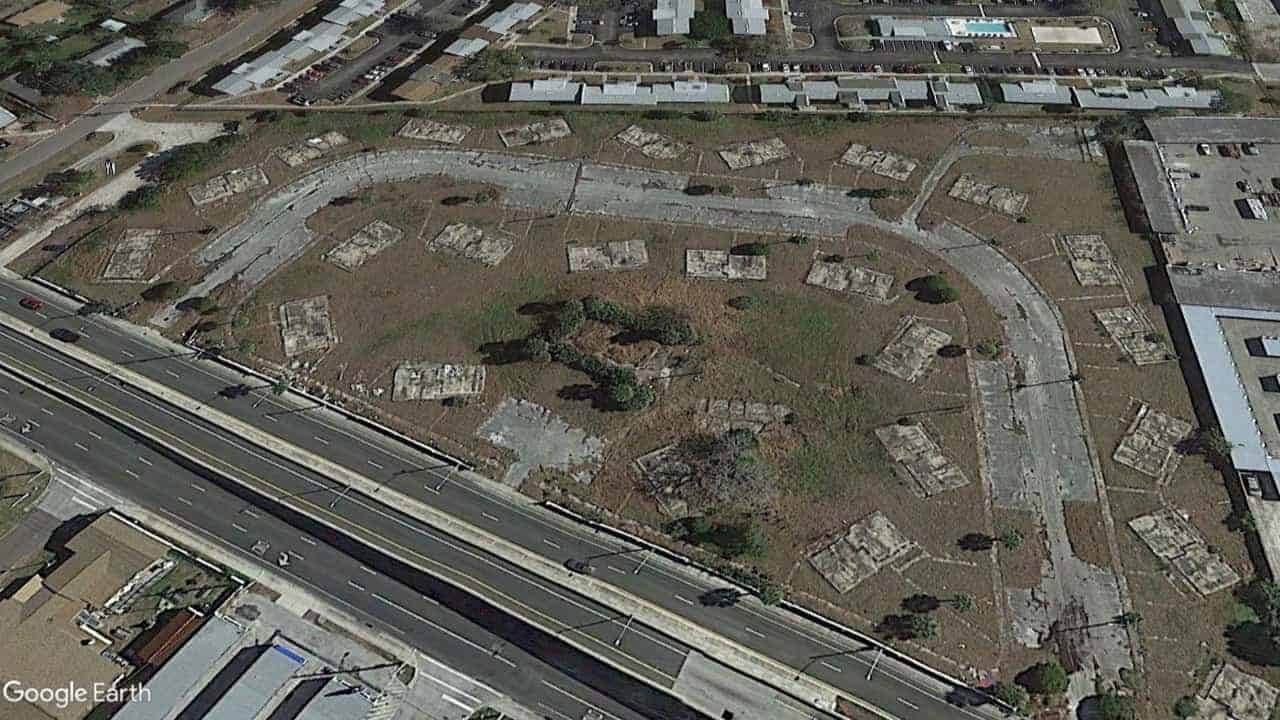 Former Site of Palms Apartments